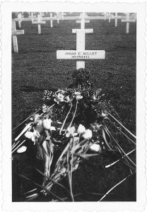 jonahs-grave-holland-2